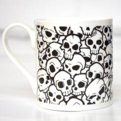 Urban Pirate, Skull Pile Mug