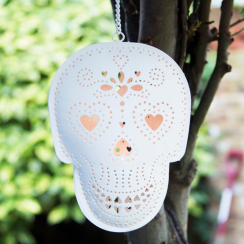Skull Hanging Tealight Holder in Cream