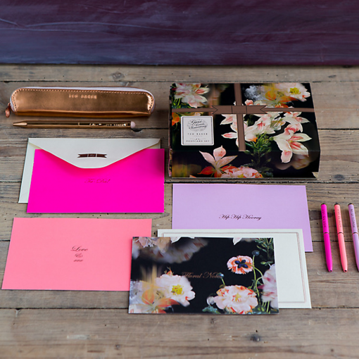 d2d541accb83eb Ted Baker Opulent Bloom Postcard Set at Flamingo Gifts.