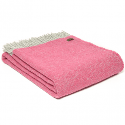 Pure New Wool Boa Pink Throw
